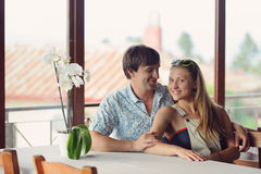 Couples au Tableau avec l'orchidée Photo stock