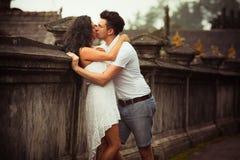 Couples au temple de balinese Image stock