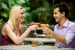 Couples ayant des boissons Photo libre de droits