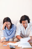 Couples ayant des problèmes financiers Images libres de droits