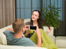 Couples ayant l'amusement Photographie stock libre de droits