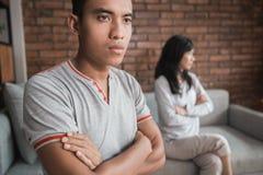 Couples ayant l'argument à la maison image libre de droits