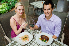 Couples ayant le repas Photos stock