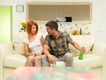 Couples ayant un argument Images stock