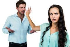 Couples ayant un argument photographie stock