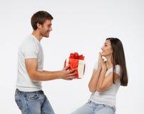Couples célébrant une datte spéciale Image libre de droits