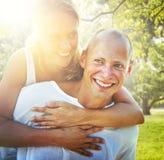 Couples collant le concept Romance de vacances Photos stock