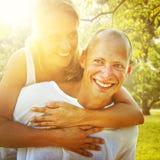 Couples collant le concept Romance de vacances Photographie stock