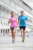 Couples courants de coureur pulsant à Venise Photographie stock