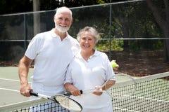 Couples d'aîné de tennis Photo libre de droits