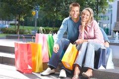 Couples d'achats Photos libres de droits