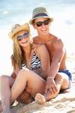 Couples d'adolescent en vacances Photographie stock