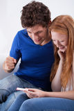 Couples d'adolescent heureux Images stock