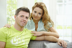 Couples d'amour à la maison Image libre de droits