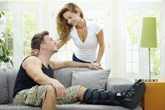 Couples d'amour à la maison Photos libres de droits
