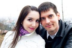 Couples d'amour dans la ville Prague Images stock