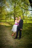 Couples d'amour en stationnement Image libre de droits