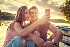 Couples d'amour souriant, selfie en gros plan de photo Photo stock