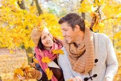 Couples d'automne d'automne Image stock