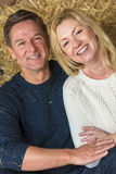 Couples d'homme âgés par milieu heureux et de femme Photos stock