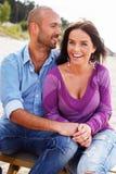 Couples d'une cinquantaine d'années de sourire Photo libre de droits