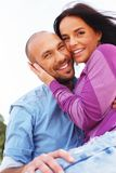 Couples d'une cinquantaine d'années dehors Image stock