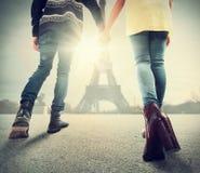 Couples dans l'amour à Paris Photographie stock