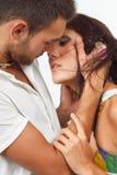 Couples dans l'amour au-dessus du fond blanc Photographie stock