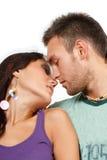 Couples dans l'amour au-dessus du fond blanc Images libres de droits