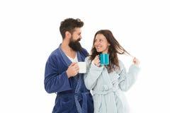 Couples dans l'amour Café de matin Café heureux de boissons de couples Matin heureux de petit déjeuner de famille à la maison fam photographie stock