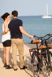 Couples dans l'amour en vacances Photo libre de droits
