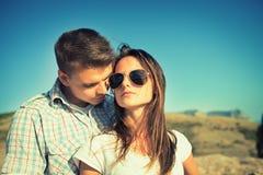 Couples dans l'amour extérieur Images stock