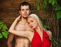 Couples dans l'amour extérieur Images libres de droits