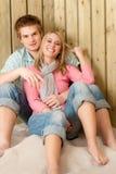 Couples dans l'amour - heureux appréciez l'été Photo libre de droits