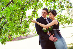 Couples dans l'amour jouant le jeu romantique Image modifiée la tonalité Image libre de droits