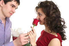 Couples dans l'amour, jour de Valentine. Photos stock