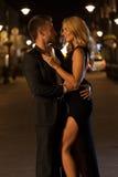 Couples dans l'amour la nuit Images stock