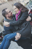 Couples dans l'amour marchant à Rome Photographie stock