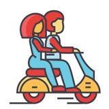 Couples dans l'amour montant une moto, homme heureux avec la femme conduisant un concept de scooter Photos libres de droits