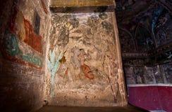 Couples dans l'amour sur la peinture murale à l'intérieur du palais historique Images stock