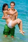 Couples dans l'océan Photographie stock