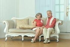couples dans la chambre de vintage Photographie stock