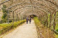 Couples dans la galerie avec la vue de Florence Image libre de droits