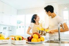 Couples dans la maison Image libre de droits