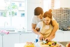 Couples dans la maison Photographie stock libre de droits