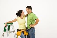 Couples dans la maison. Images libres de droits