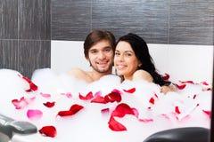 Couples dans la salle de bains Image libre de droits