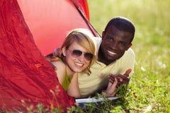 Couples dans la tente Photographie stock