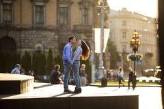Couples dans la ville Photos stock