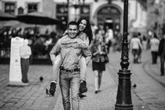 Couples dans la ville Photo stock